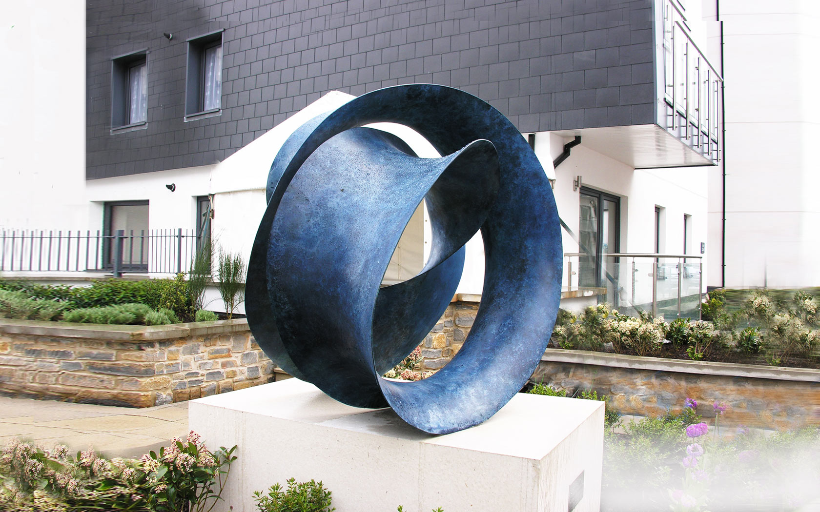 Public commission Torquay, UK. Bronze with blue patina, 130x130x90 cm.