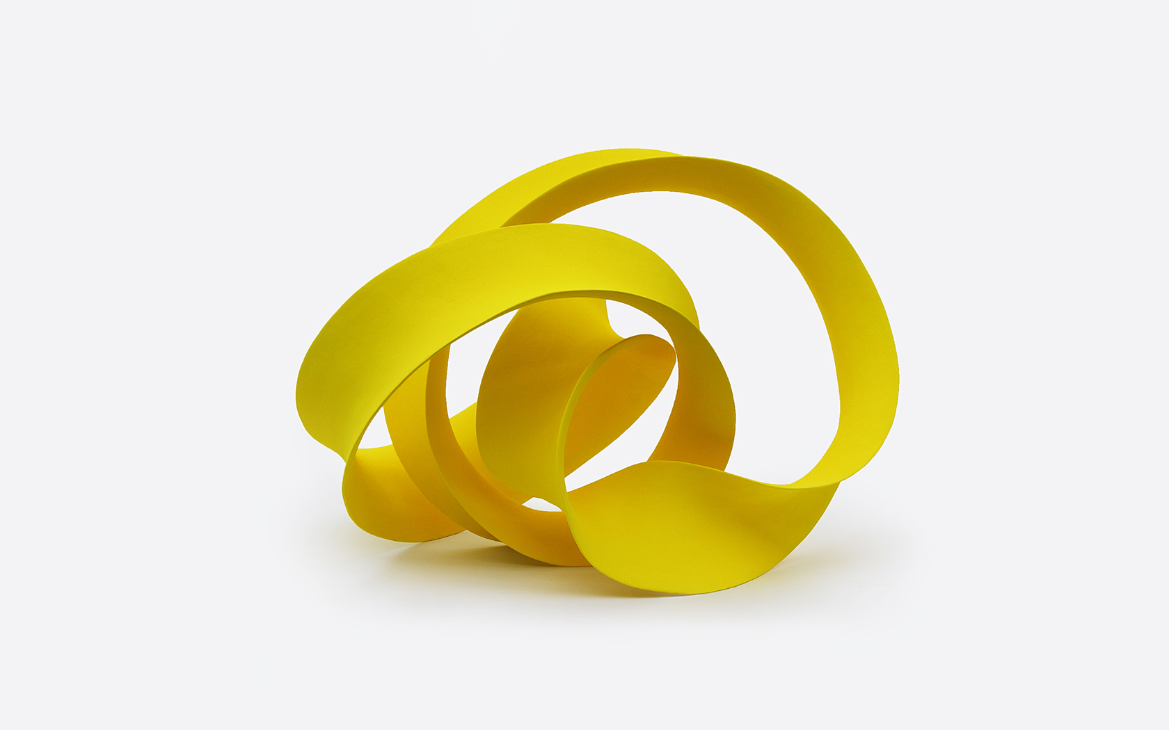 Yellow loop; ceramics, 60x50x50 cm